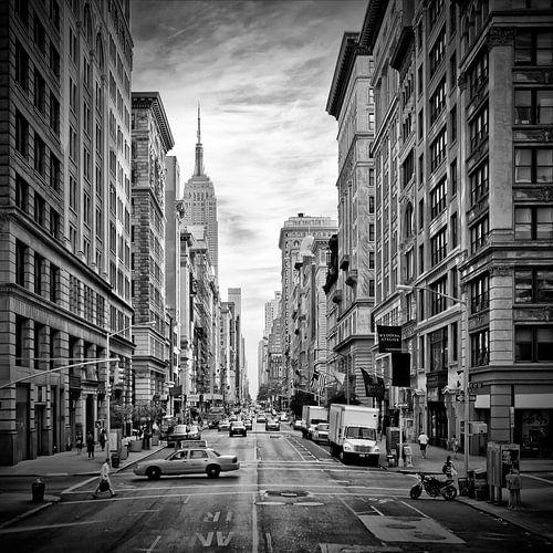 NEW YORK CITY 5th Avenue | Monochroom van Melanie Viola