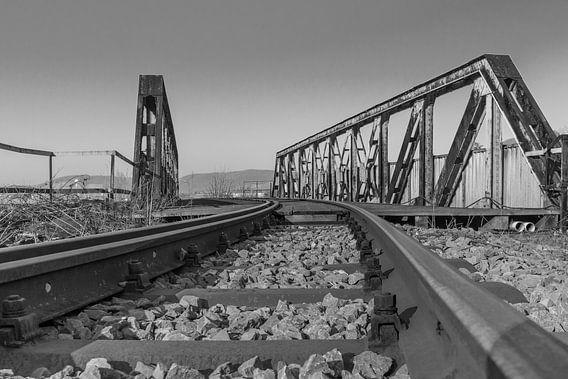 railway bridge van Heinz Grates