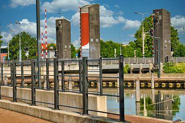 Die Stadterbrug in Weert, Limburg Niederlande von J..M de Jong-Jansen