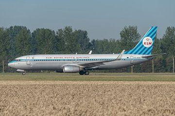 Fast am Tor! PH-BXA, eine Boeing 737-800 der KLM auf dem Weg zum Terminal nach der Landung auf der P von Jaap van den Berg