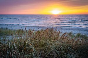 Zonsondergang op het strand van Martin Wasilewski