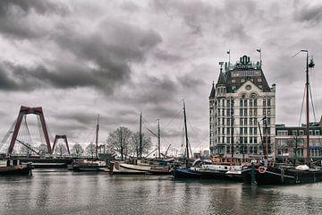 Das Weiße Haus und der Willemsbrücke Rotterdam von Annemiek van Eeden