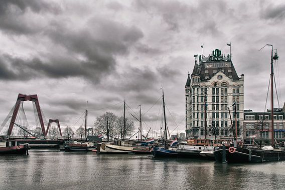 Het Witte Huis en de Willemsbrug Rotterdam