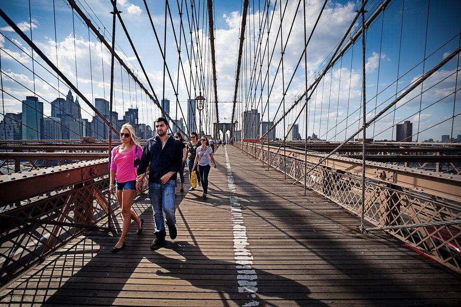 Strolling Brooklyn Bridge van Nanouk el Gamal - Wijchers (Photonook)