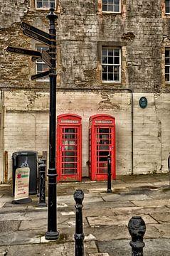 Telephone, Rote Telefonzellen in Kirkwall. von Iris Heuer