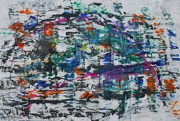 Slakkenhuis abstract op oud krantenpapier van jolanda verduin