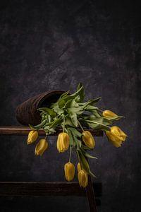 Tulpenvaas omgevallen van Peter Abbes