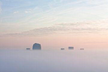 Torens in de Mist sur Frenk Volt