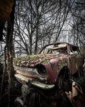 vieille voiture abandonnée sur Tristan Creation