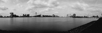 Drie peilers van Rotterdam (panorama) zwartwit van Nathan Okkerse