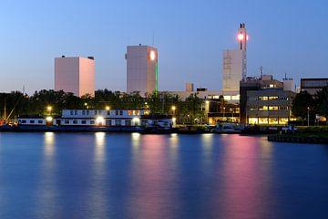 Douwe Egbertsfabriek aan Keulsekade in Utrecht von Donker Utrecht