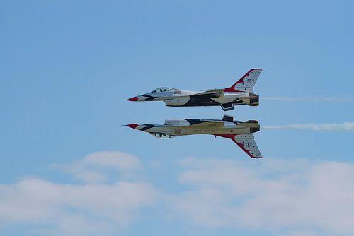 F16 Thunderbirds synchroon van