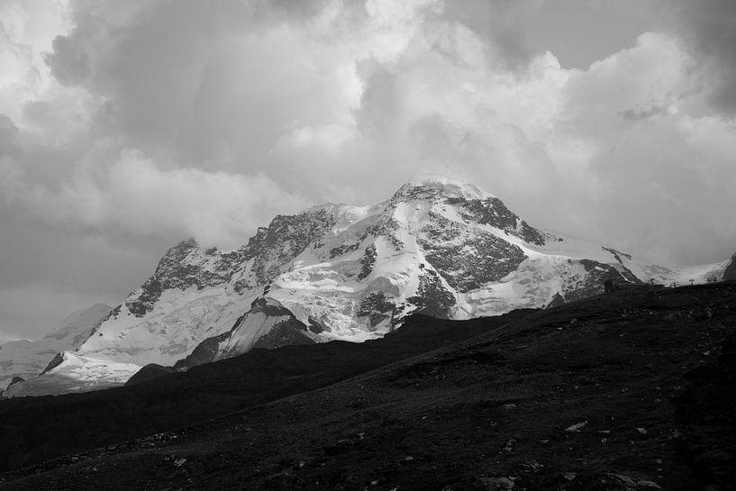 Berg in volle glorie  van Lukas De Groodt