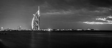 Burj al Arab black and white van Dennis van Berkel