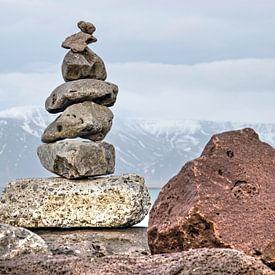 Zevensteens cairn in Reykjavik van Frans Blok