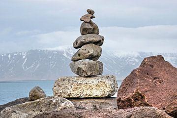 Cairn in Reykjavik von Frans Blok
