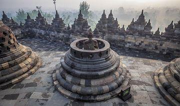Der Borobudur auf Java bei Sonnenaufgang. von Claudio Duarte