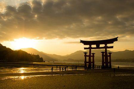 Itsukushima Schrein, Miyajima, Japan von Marcel Alsemgeest