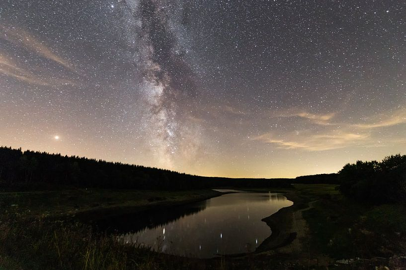 Milkyway - lakeside van Oliver Henze