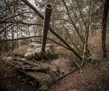 Panzer im Wald Urbex von Olivier Photography