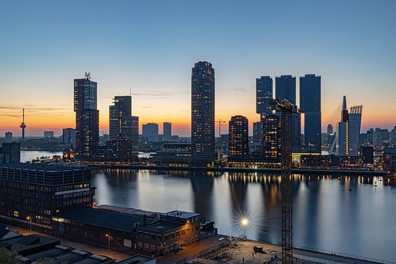 Rotterdam zonsondergang Wilhelminapier