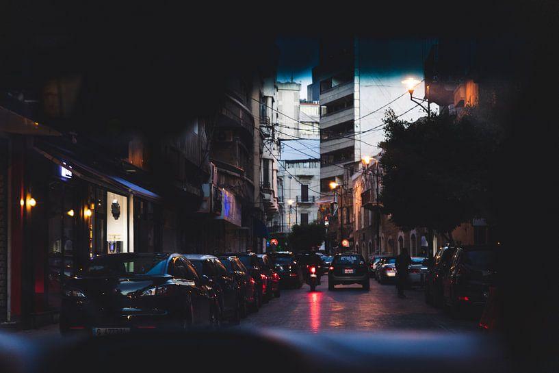 De avond valt in Beirut, Libanon van Moniek Kuipers