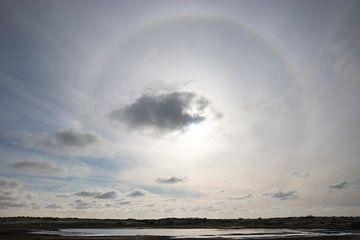 Spectaculaire halo boven het noorden van Texel van Bas Ronteltap