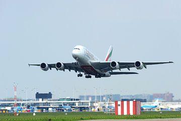 Airbus A380-800 komt los van de startbaan van
