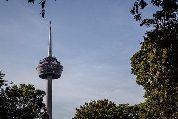 tv toren in keulen van Eric van Nieuwland