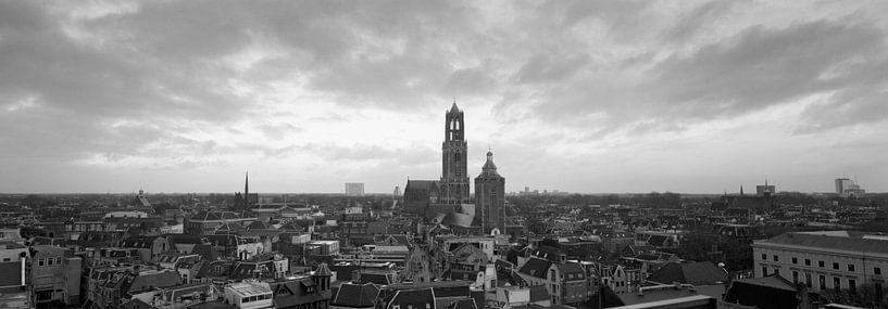 Utrecht Skyline, panorama met de Dom (Domtoren) van Origami Art