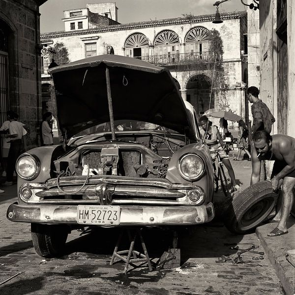 Dodge in repair von Cor Ritmeester