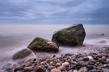 Stones on the Baltic Sea coast sur Rico Ködder