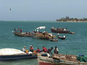 'Vissers', Dar es Salaam- Tanzania van Martine Joanne