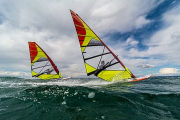Surfing Bro's von Lorenzo Nijholt