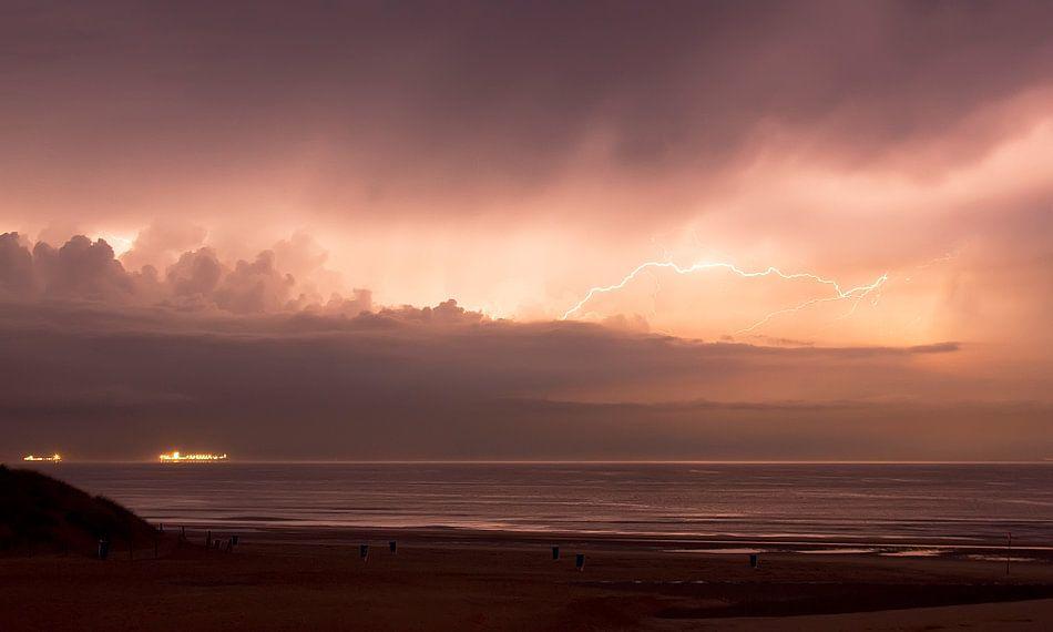 thunderstorm van Dirk van Egmond