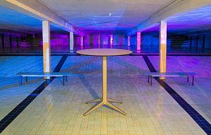 Een verlaten zwembad