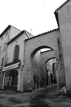 Rue de La Misericorde Saint-Tropez von Tom Vandenhende