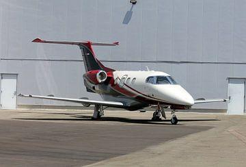 Geschäftsflugzeug auf der Plattform geparkt von Bas Berk