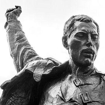 Statue von Freddie Mercury in Schwarz und Weiß von Henk Meijer Photography