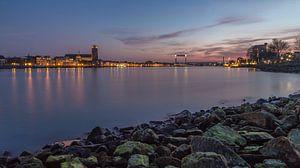 Dordrecht Skyline bij zonsondergang vanuit Zwijndrecht