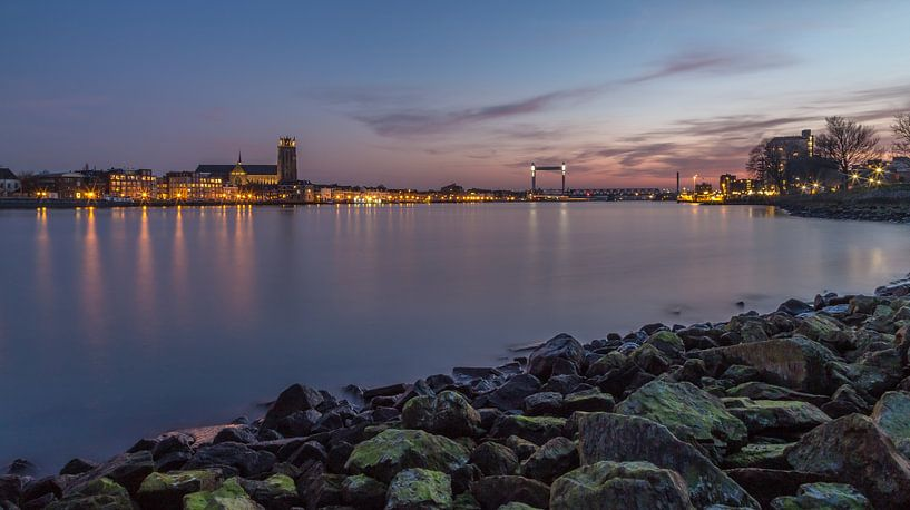 Dordrecht Skyline bij zonsondergang vanuit Zwijndrecht van Tux Photography