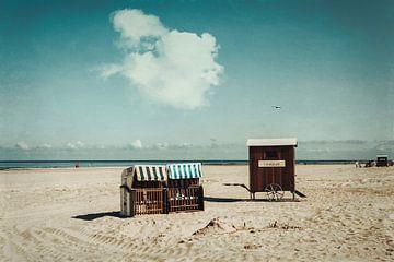 Strandkörbe und Umkleidewagen Strand Spiekeroog von Dirk Wüstenhagen