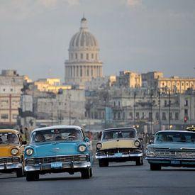 Oldtimer auf Kuba. von Tilly Meijer