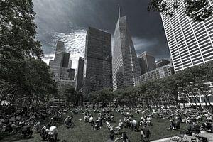 Bryant Park und der Bank of America Tower  New York van