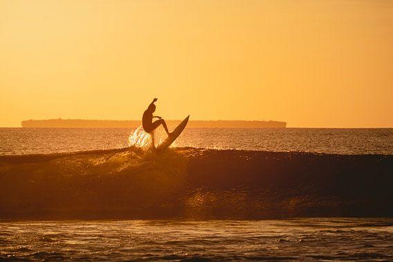 Mentawai surfing sunset 2