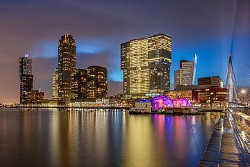 Rijnhaven Rotterdam in de avond van Dennisart Fotografie
