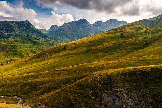 Glooiende bergen