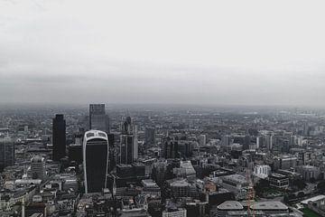 Le ciel de Londres dans le brouillard sur Leo van Gemmern