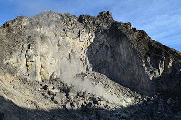 Op de top van een vulkaan van Esther Kruik