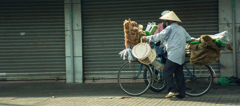 Vietnamese verkoper  van Godelieve Luijk